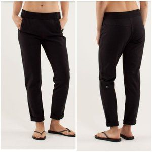Lululemon size 2 black rejuvenate sweat pants